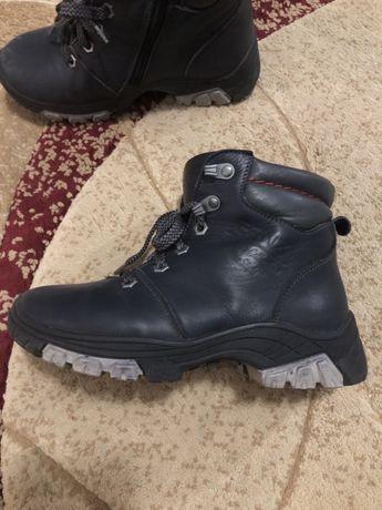 Дитячі шкіряні зимові черевички