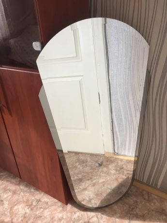 Зеркало для квартиры