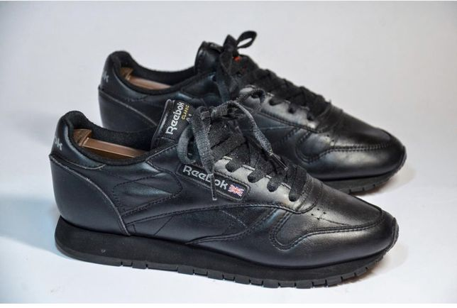Reebok classic( не nike, adidas, puma )