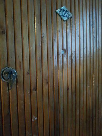 Дверь входная деревянная,торг!