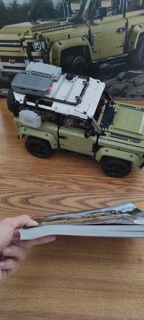Lego Technic 42110 Land Rover