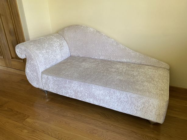 Chaise longue sofá estilo romantico