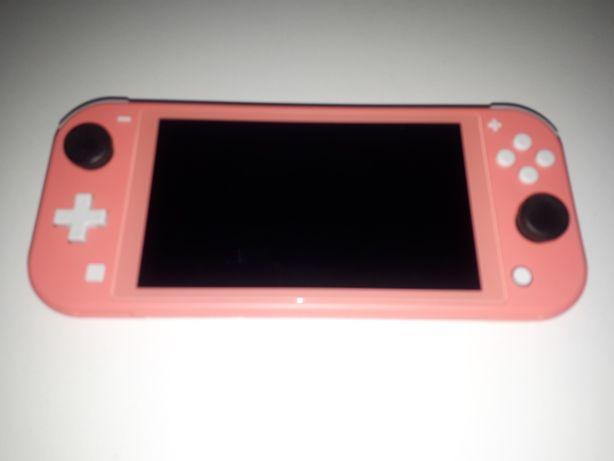 Nintendo Switch Lite + gra + etui