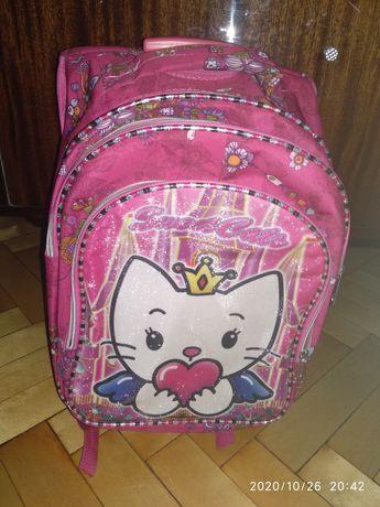 НОВЫЙ рюкзак для девочки. На роликах.