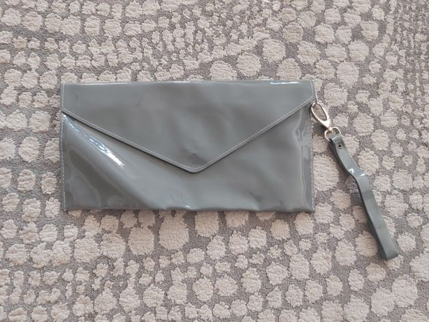 Piękna szara torebka kopertówka kopertowa lakierkowana