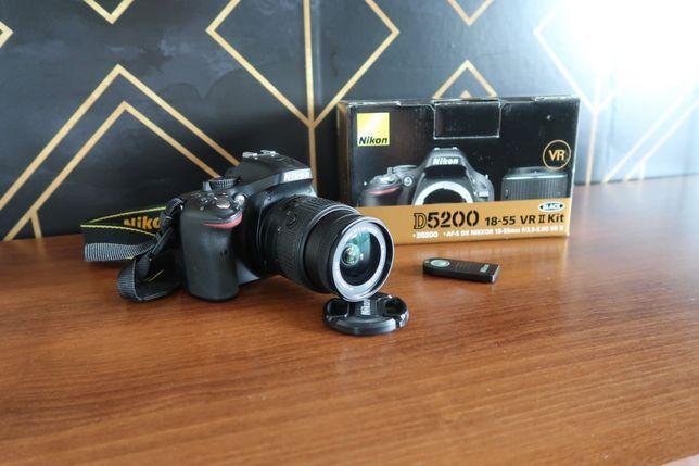 Nikon D5200 +obiektyw Nikkor 18-55mm