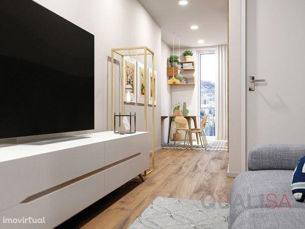 Apartamento T1+1 novo e com varanda no centro histórico d...