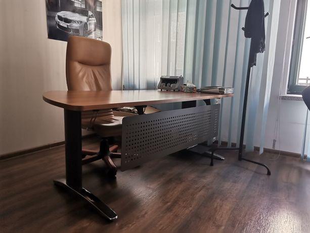 Duże biurko do biura