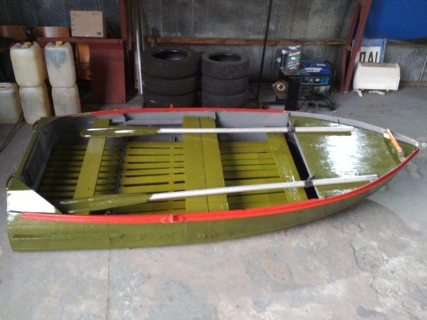 Лодка для отдыха и рыбалки