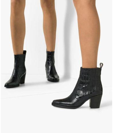 Ботинки GANNI в ковбойском стиле, 39р.
