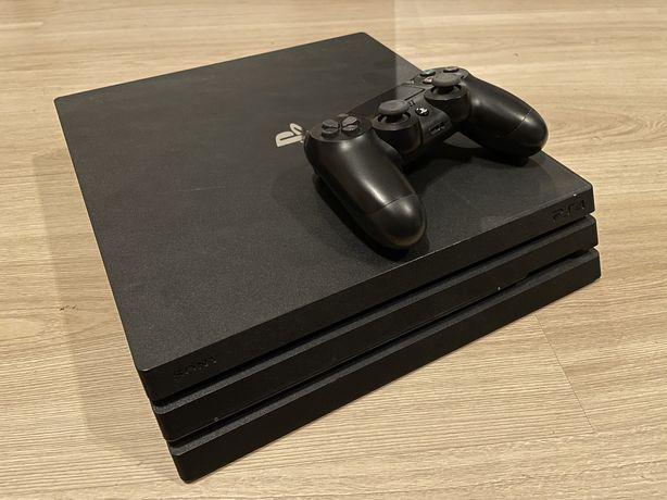Playstation 4 PRO CUH-7116B PS4