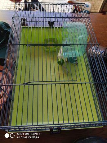 Gaiola para hamster e utensílios