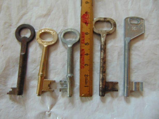 Przedwojenne szwedzkie sygnowane klucze.ESKILSTUNA i inne.