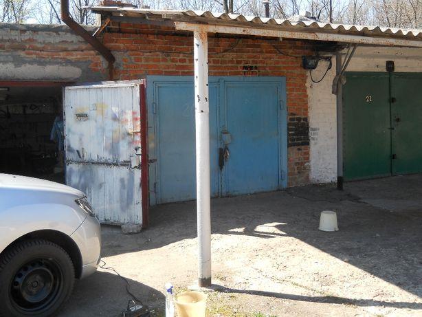 два гаража вместе