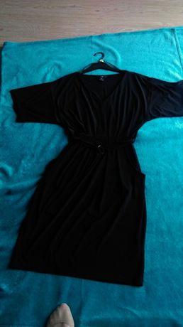 Czarna sukienka z rękawami motyla roz.40