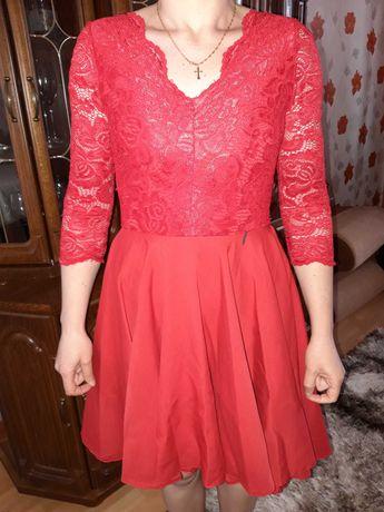 Sukienka koronkowa czerwona, rozmiar 38
