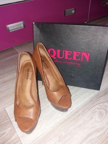 Продам кожаные туфли QUVEEN