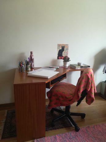 Mesa Secretária para cantos