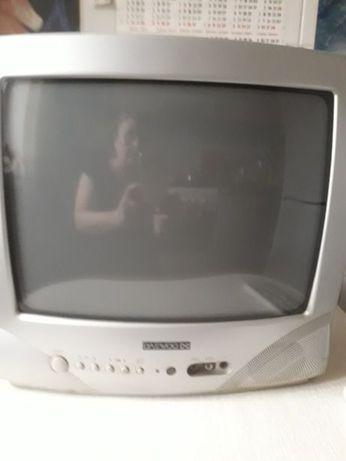 Телевизор daewoo.Подставка на стену в подарок