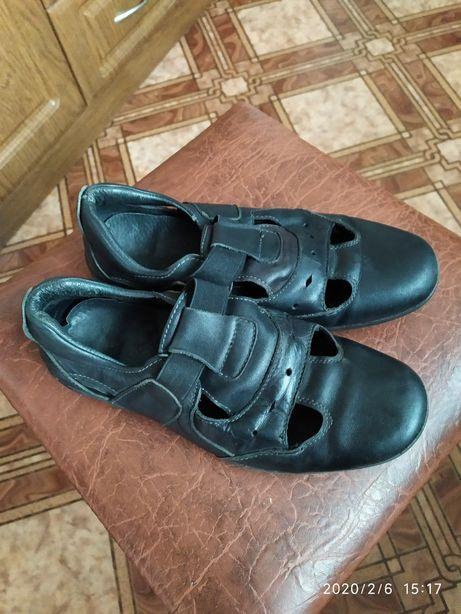 Продам туфли на мальчика размер 36 в отличном состоянии.цена 150 грн.