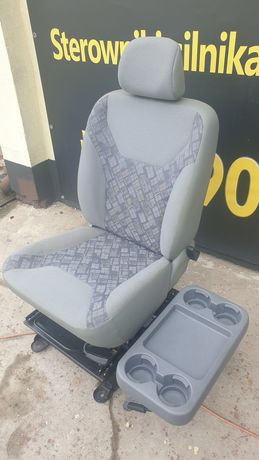 Fotel ze stolikiem Trafic Vivaro