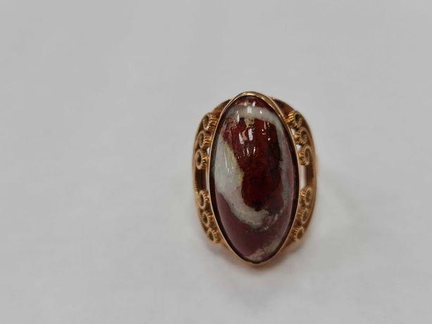 Wyjątkowy złoty pierścionek/ 583/ 9.03 gram/ R18/ Kwarc/ Radziecki