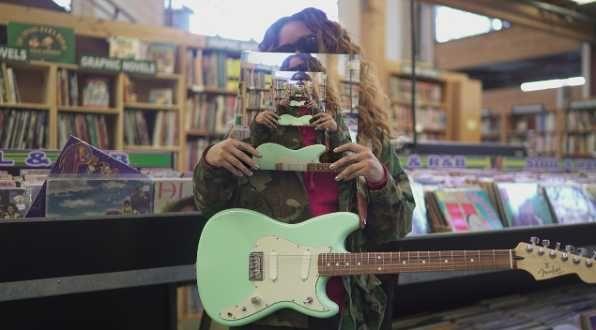 инди-рок/пост-панк группа ищет гитариста