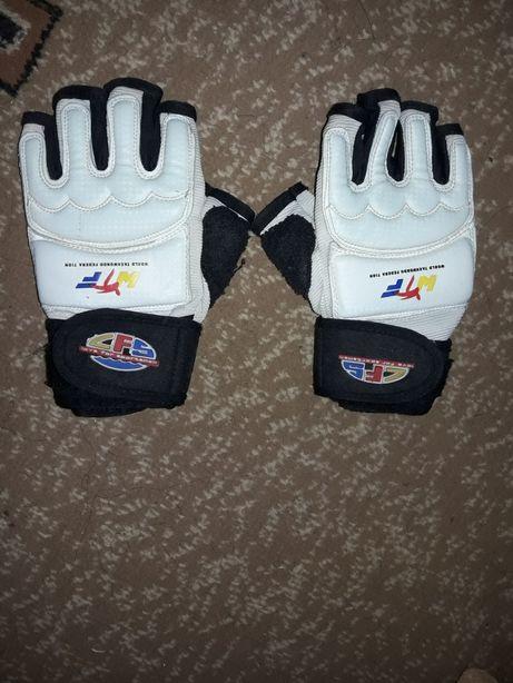 Перчатки и Защита