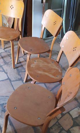 Cadeiras resistentes