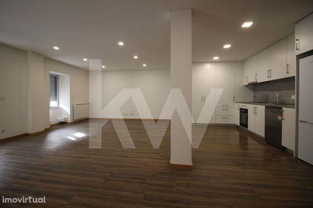 Apartamento T2 Como Novo para Arrendamento em Real, Braga