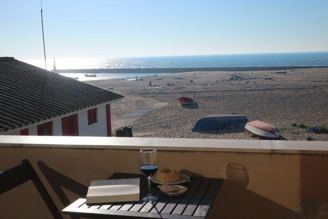 Casa na praia da Aguda em frente ao mar