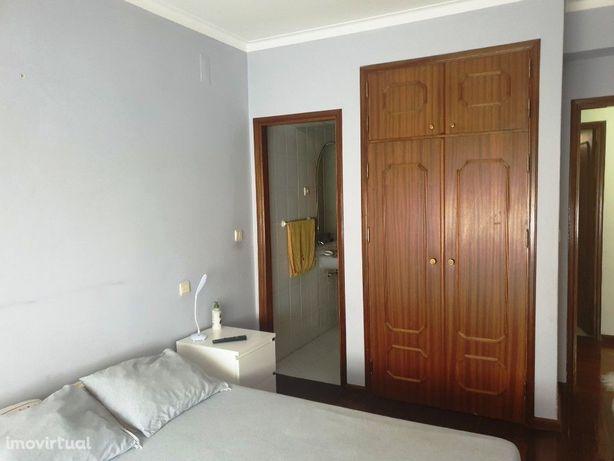 Apartamento T3 em Nogueira - Braga