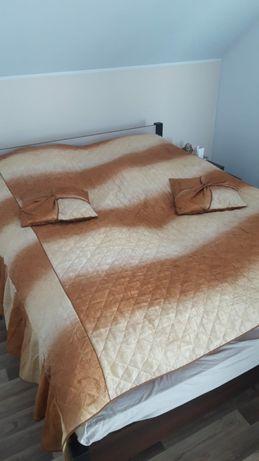 Narzuta na łóżko + 2 poduszki