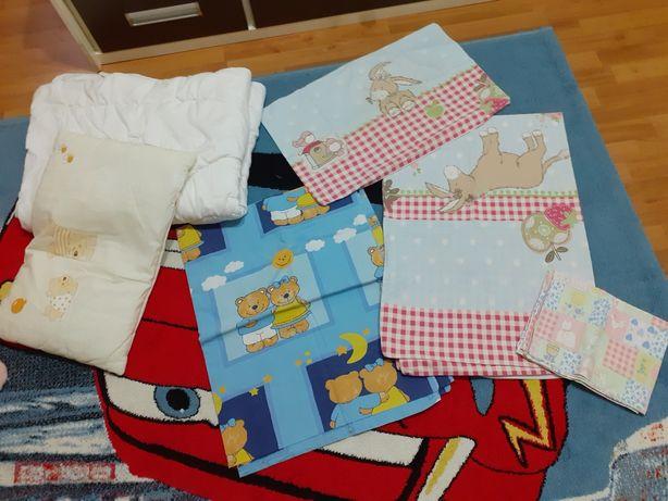 одеяла в детскую кроватку, подушки то 6 мес, пододеяльники, наволочкиы