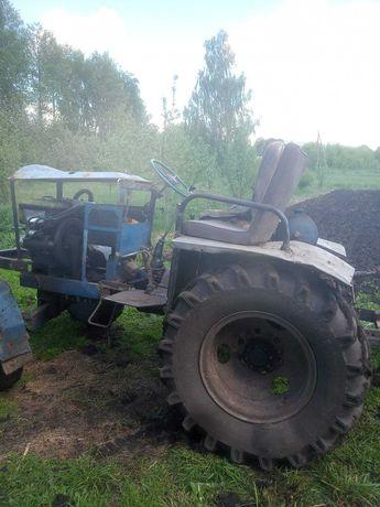 Самодельный трактор, не Т25 или Т40