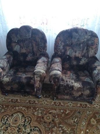 Duże wygodne fotele