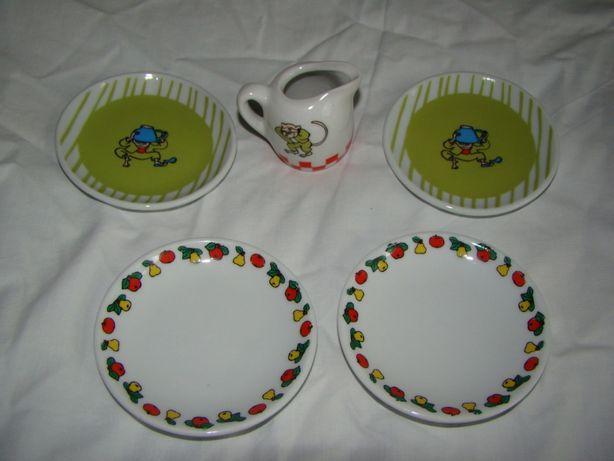 Кукольная игрушечная фарфоровая посуда.