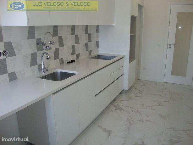 T3 Serra das Minas Remodelado, Varanda, Arrecadação