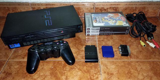 PlayStation 2 com comando e 3 jogos