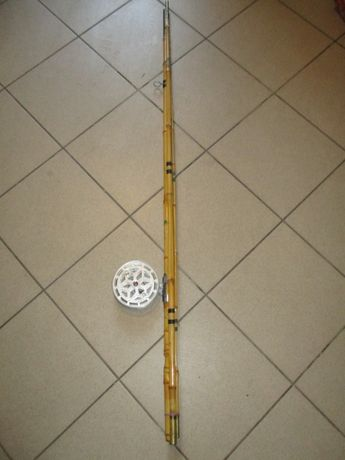 Wędka bambusowa z kołowrotkiem muchowym prl
