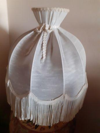 Abajure branco em tecido