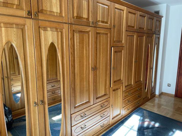 szafy garderobiane z litego drewna