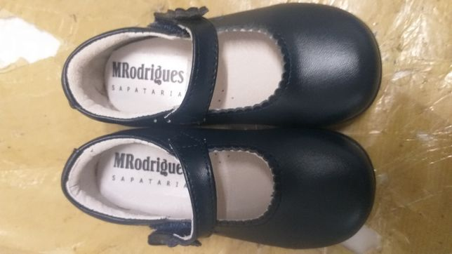 Sapatos menina - Tamanho 25