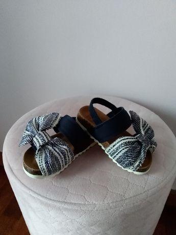 Sandałki sandały Zara buty roz 20 jak nowe z kokardą