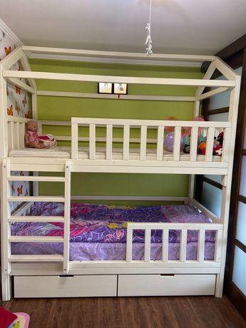 Ліжко дитяче двоповерхове