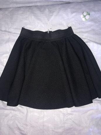 Czarna spodniczka dziewczęca stan idealna, jak NOWA!