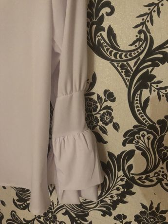 Продам блузу размер S 42
