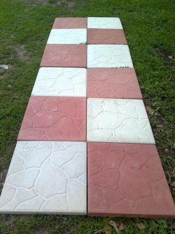 Тротуарна плитка та бордюри