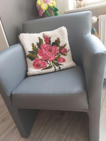 Szare Nowe fotele