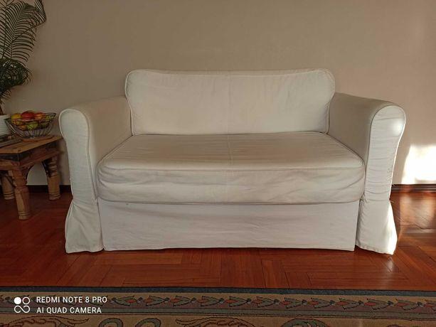 Sprzedam rozkładaną sofę 2-osobową Hagalund IKEA.